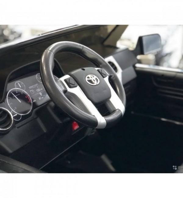 Двуместен акумулаторен джип Toyota Tundra 24V, с меки гуми, кожени седалки