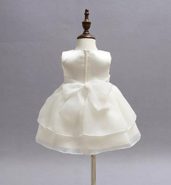 Официална бяла рокля с панделка