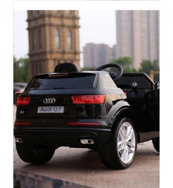 Акумулаторен джип Audi Q7 с WiFi,12V, меки гуми и кожена седалка